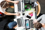 Stiftelse av ungdomsbedrifter og opprettelse av bankkontoer